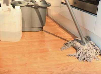 Швабра для ламината и другие инструменты для уборки
