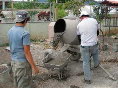 Изготовление бетона в бетономешалке – эксплуатируем технику грамотно