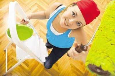 Чем и как лучше покрасить потолки